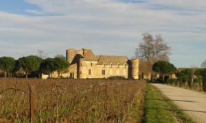 Le château de Perdiguer à Maurassan. Château des XIIIe-XVIIe siècles.