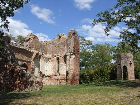 Les ruines du Castella, le château rebâti par Sicard Alaman à Saint-Sulpice.